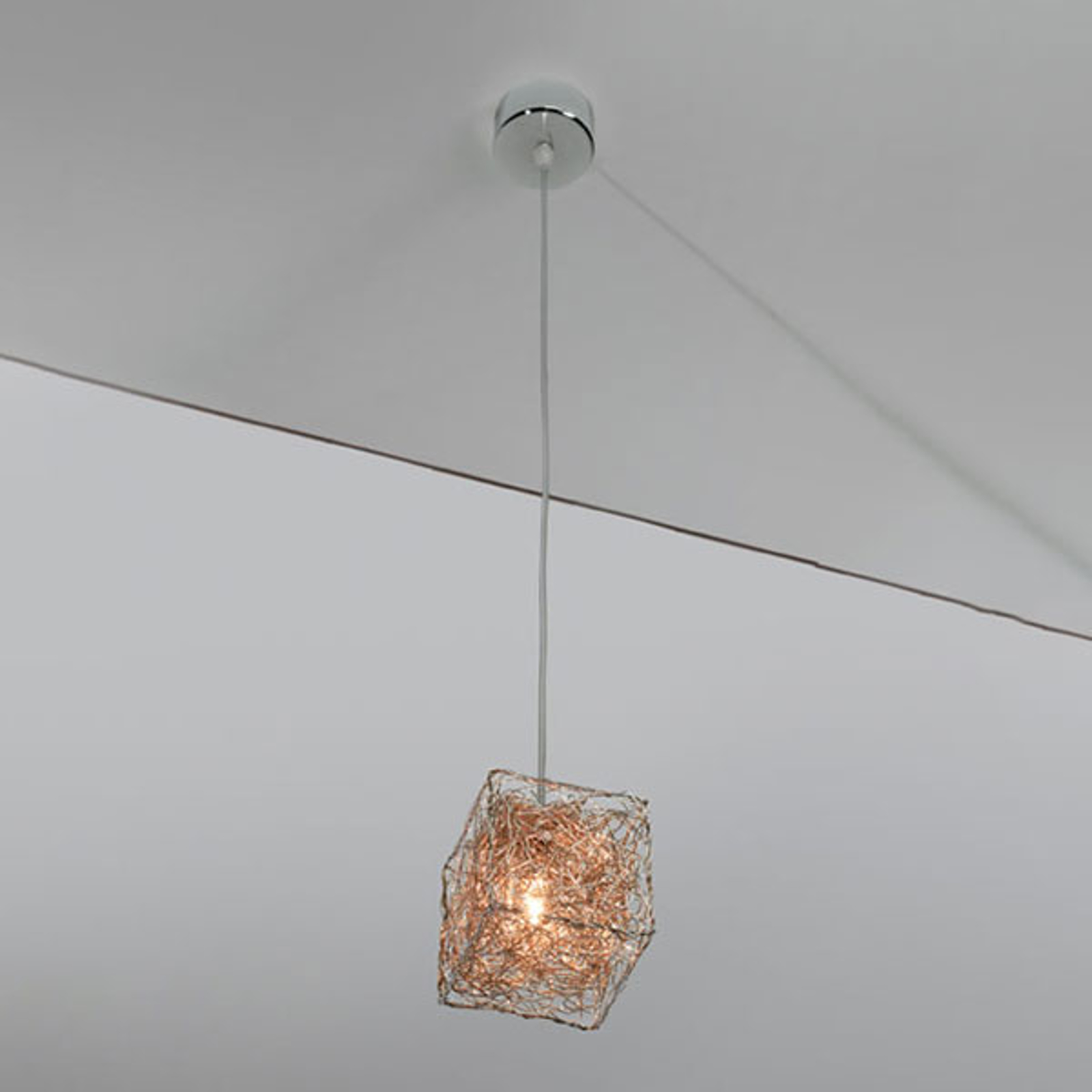 Mała designerska lampa wisząca LED Kubini