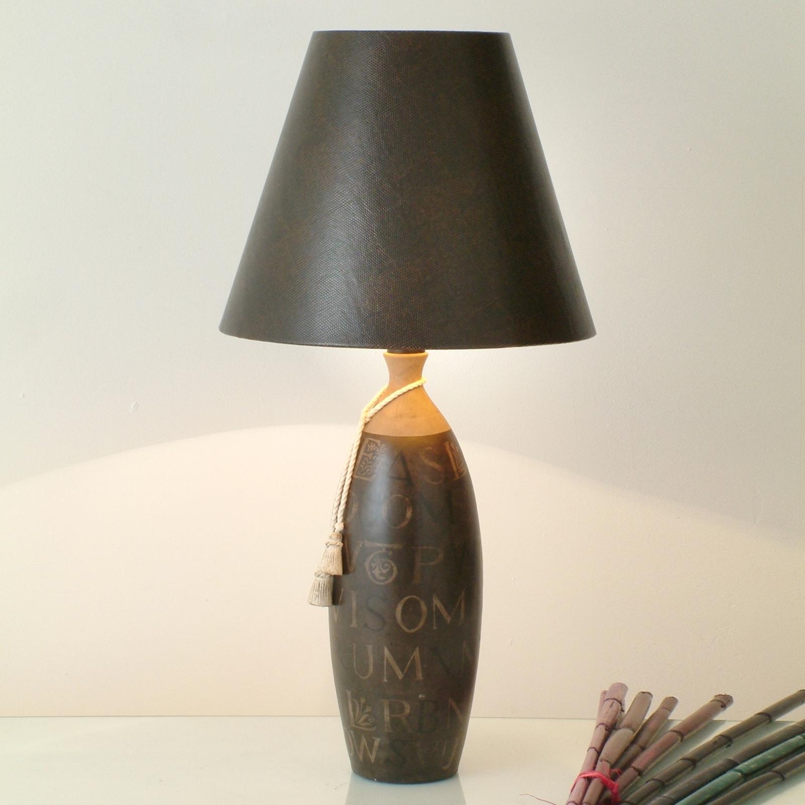 Lampe à poser chaleureuse Carattere Alta
