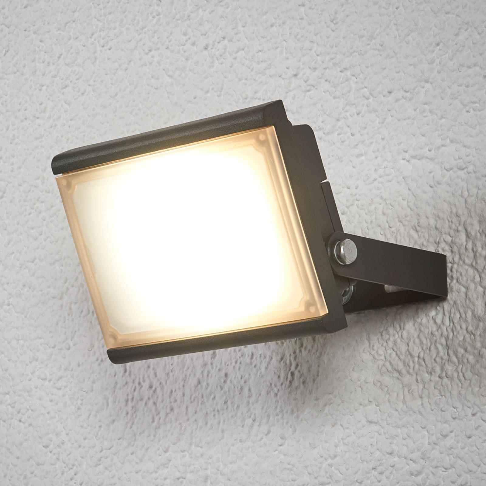 Reflektor LED Auron do użytku zewnętrznego