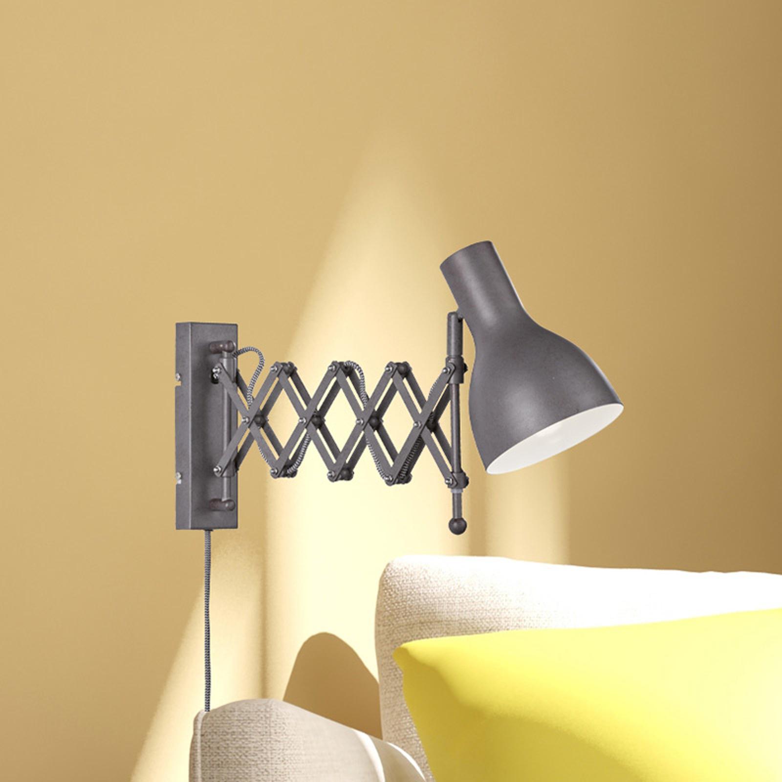 Nástěnné světlo snatahovacím ramenem Pull