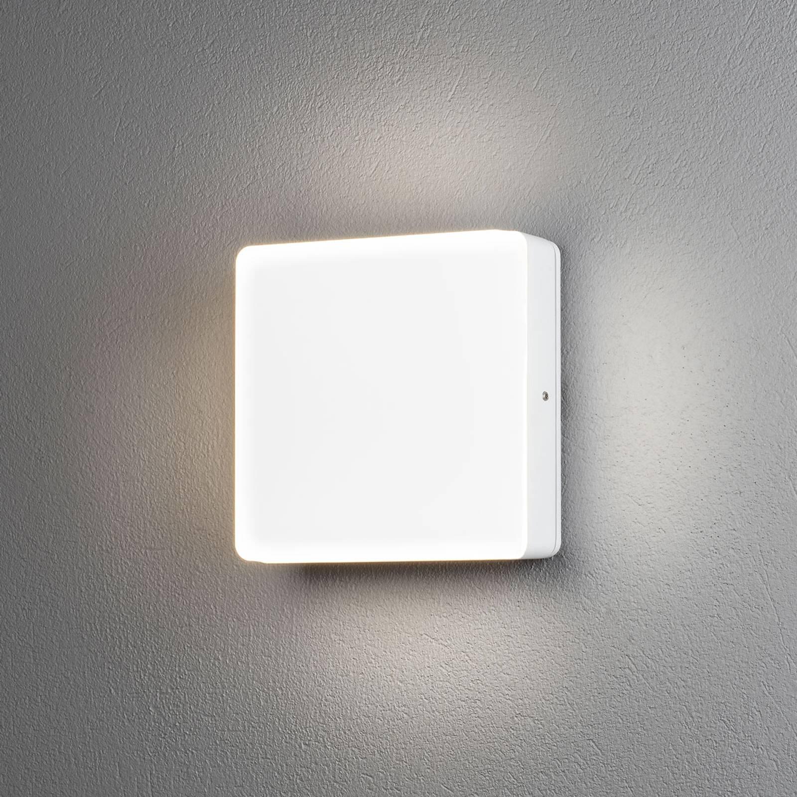 LED-Außenwandleuchte Cesena mit Dämmerungssensor