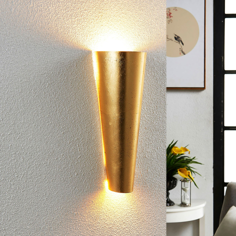 Formvollendete LED-Wandleuchte Conan in Gold