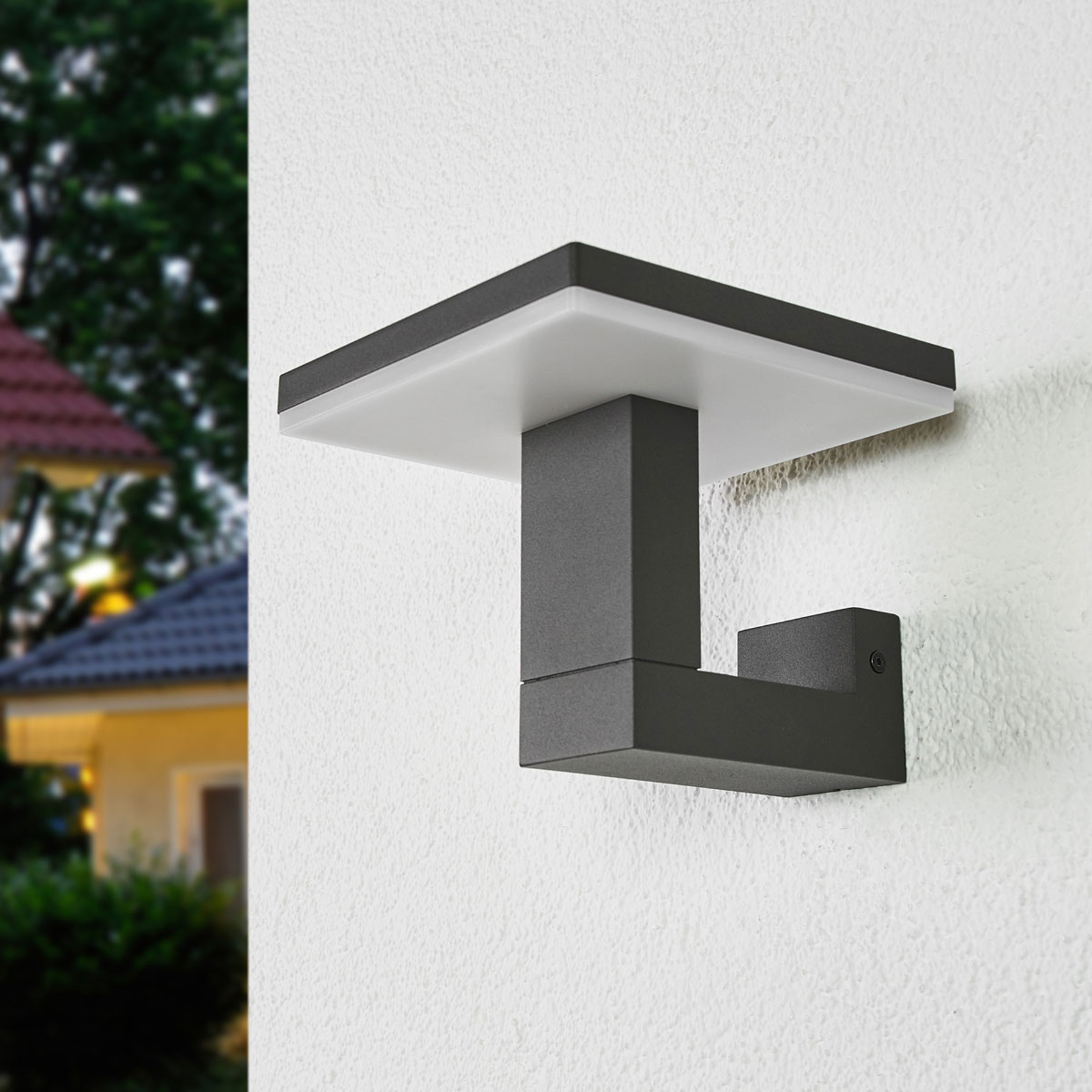LED-ulkoseinälamppu Olesia, kulmikas