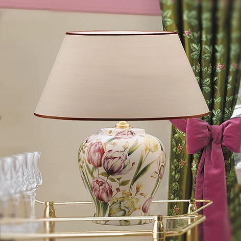 Blomsterinspirert bordlampe Living