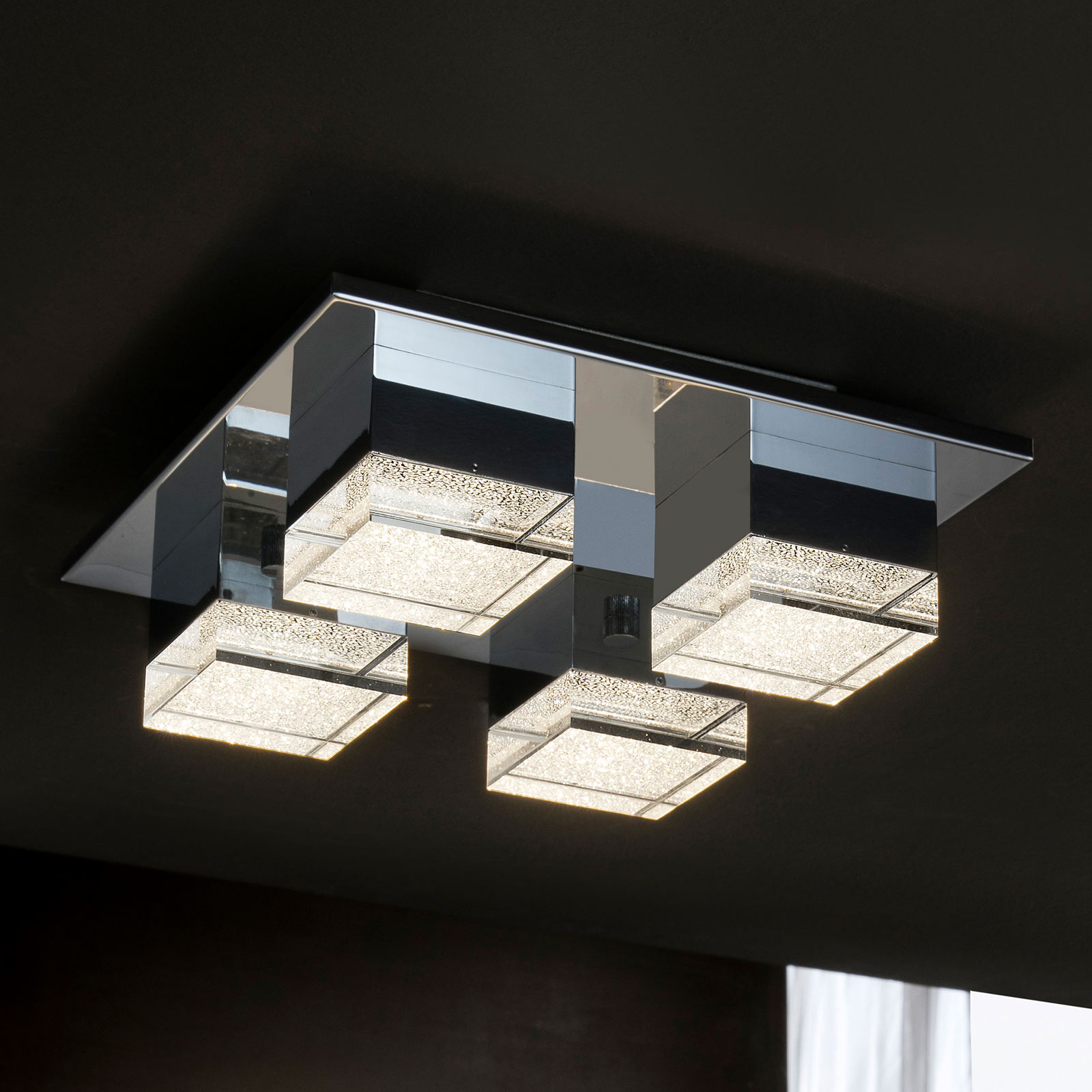 LED-taklampe Prisma, 4 lyskilder