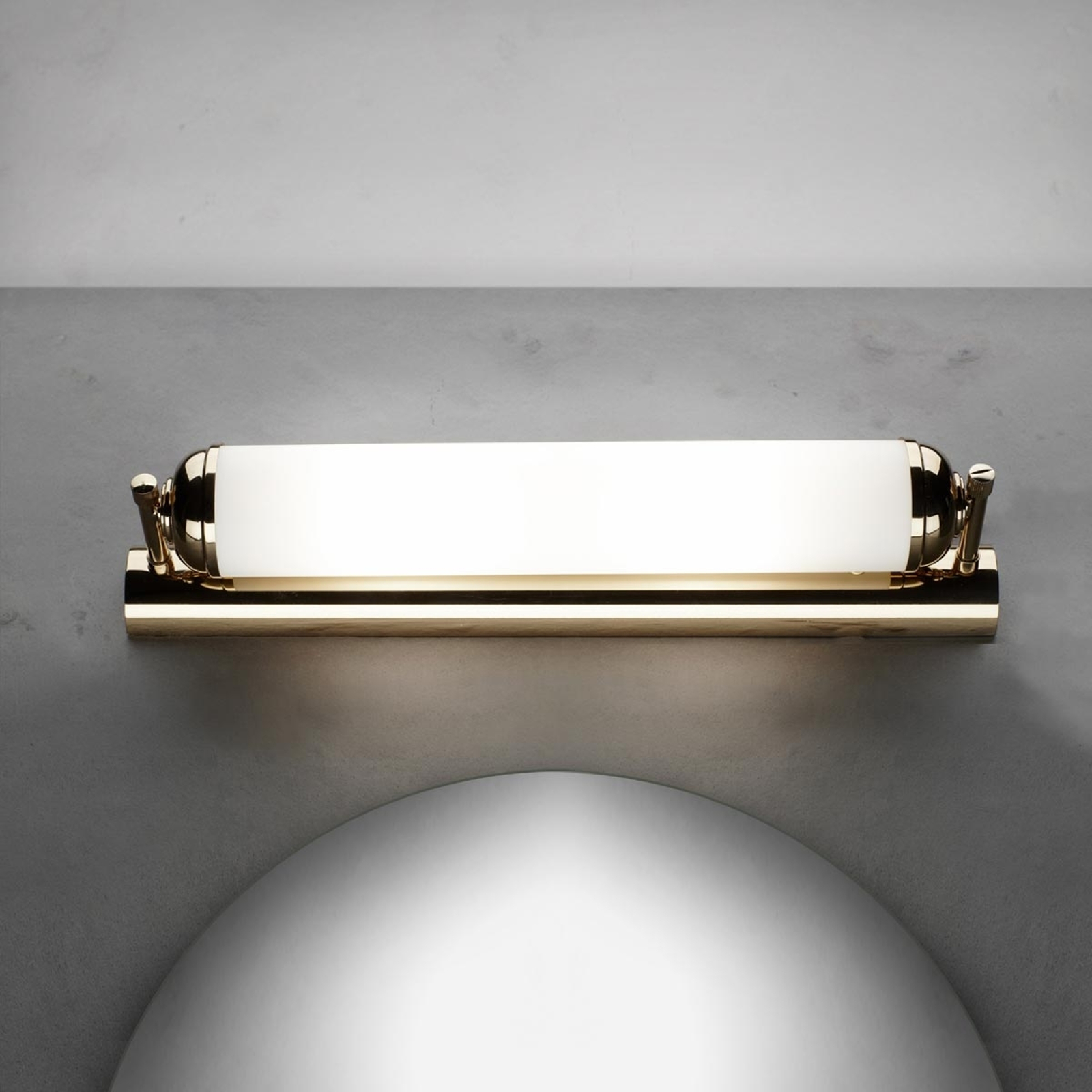 Elegant vegglampe Ellida, med 2 lyskilder