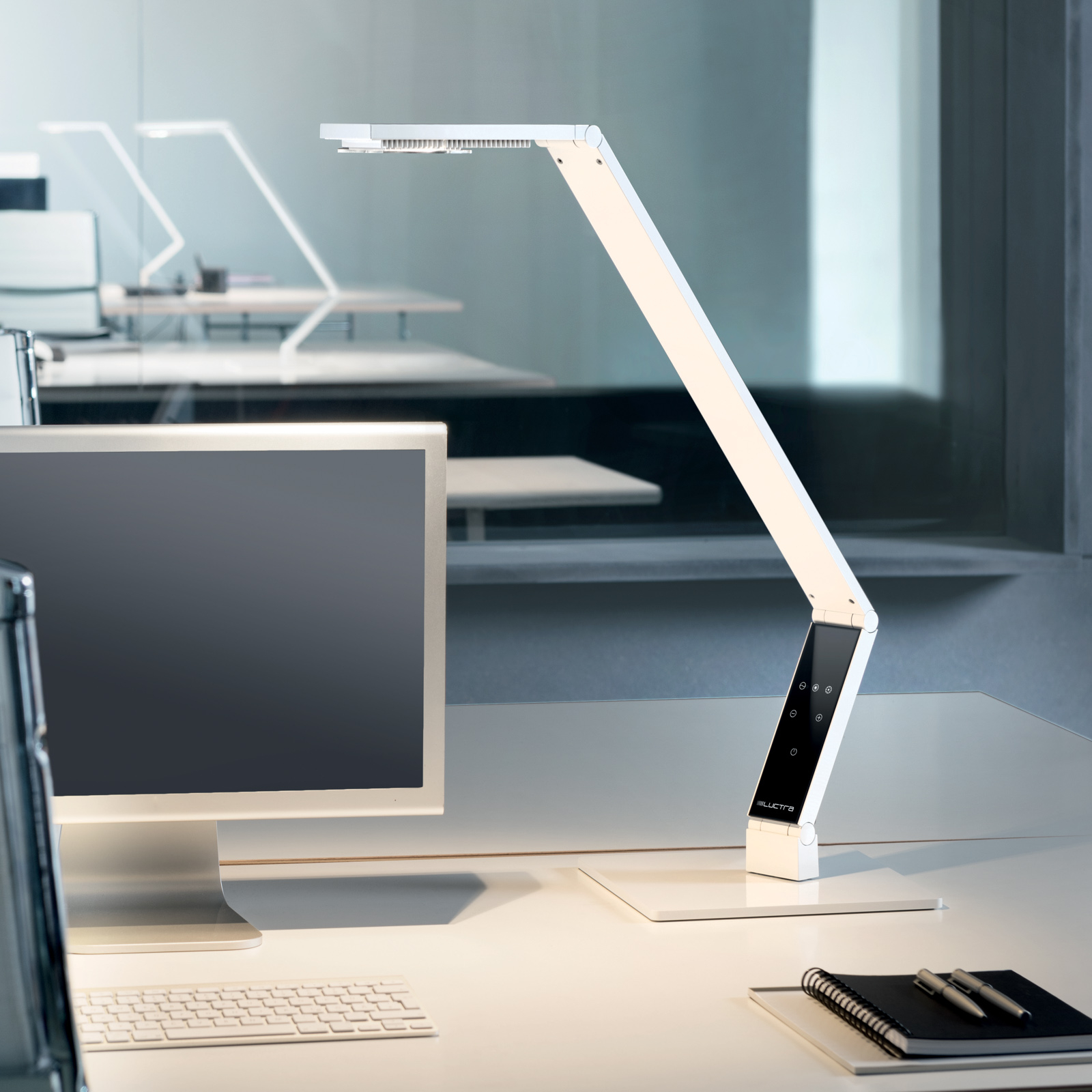Luctra Table Linear LED-Tischleuchte Fuß weiß