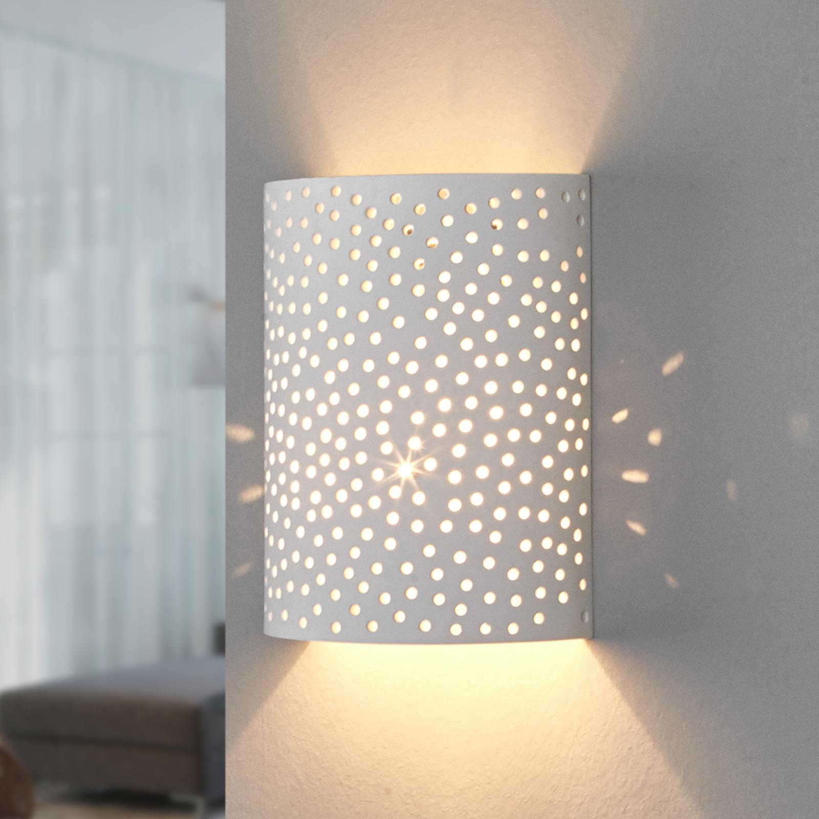 Jiru - wandlamp uit gips met mooi gatpatroon