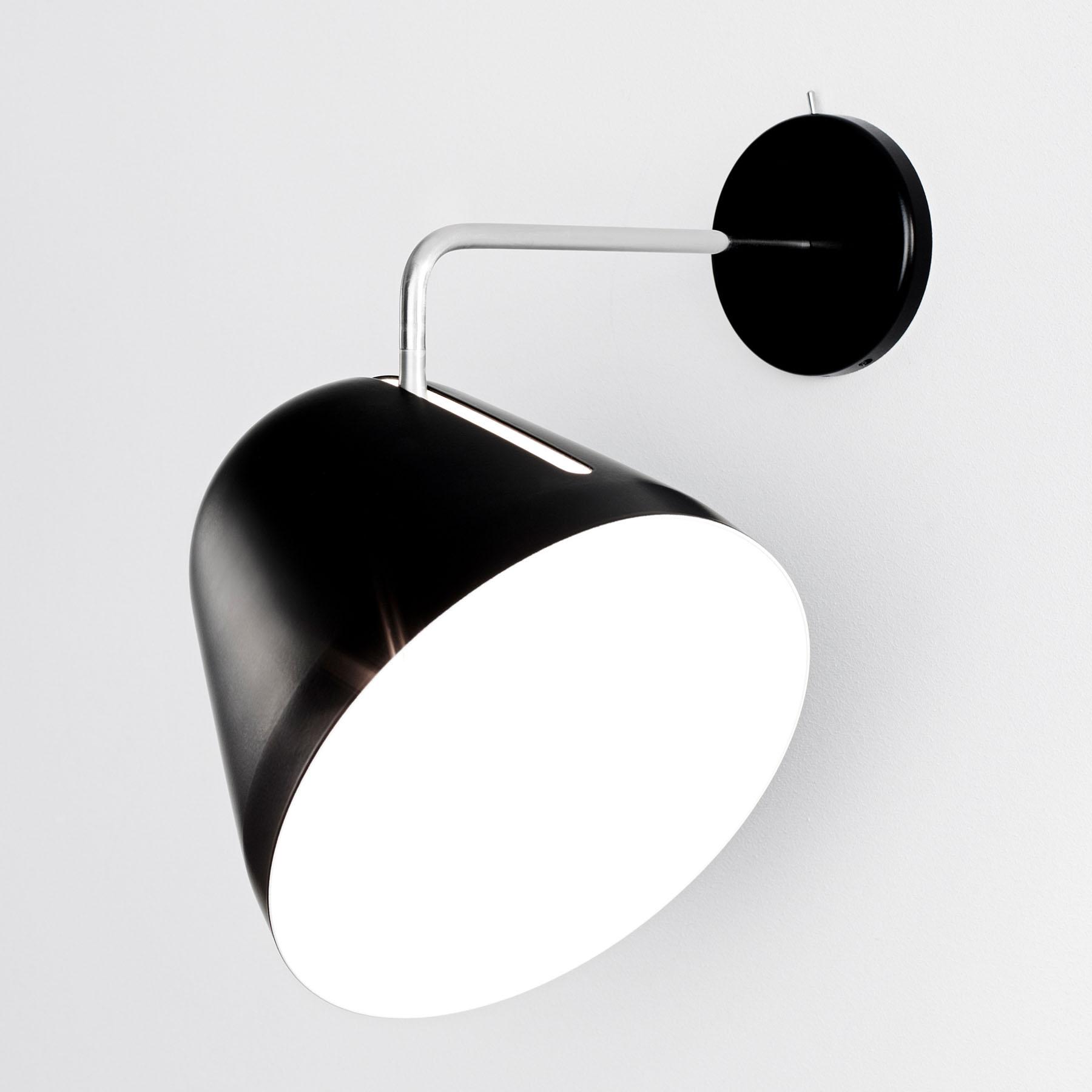 Nyta Tilt Wall wandlamp, zwart