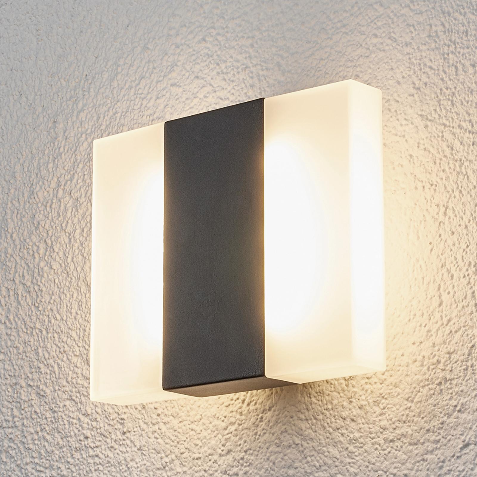 Börje - LED-Außenwandleuchte in eckiger Form