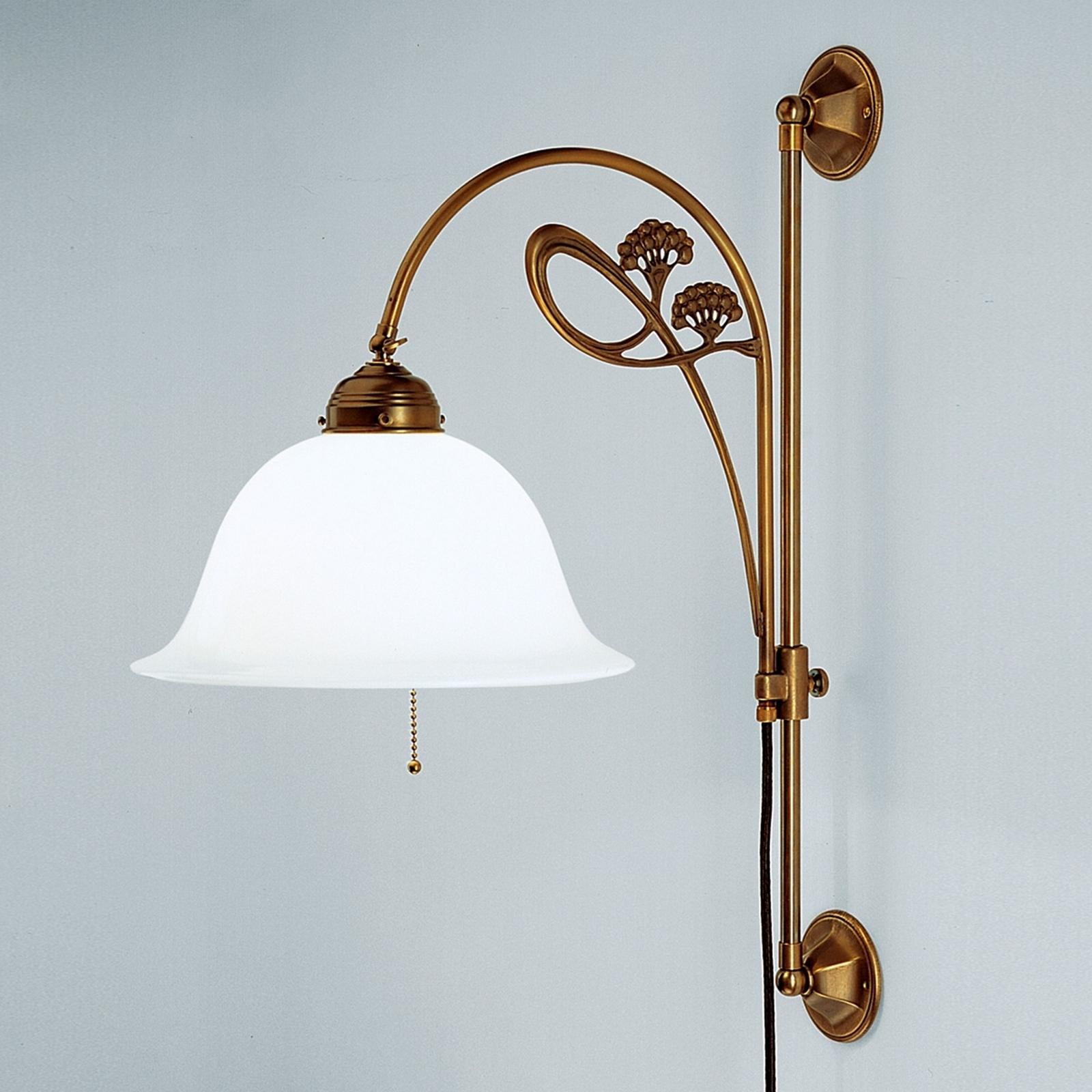 Raffinata lampada da parete Athen