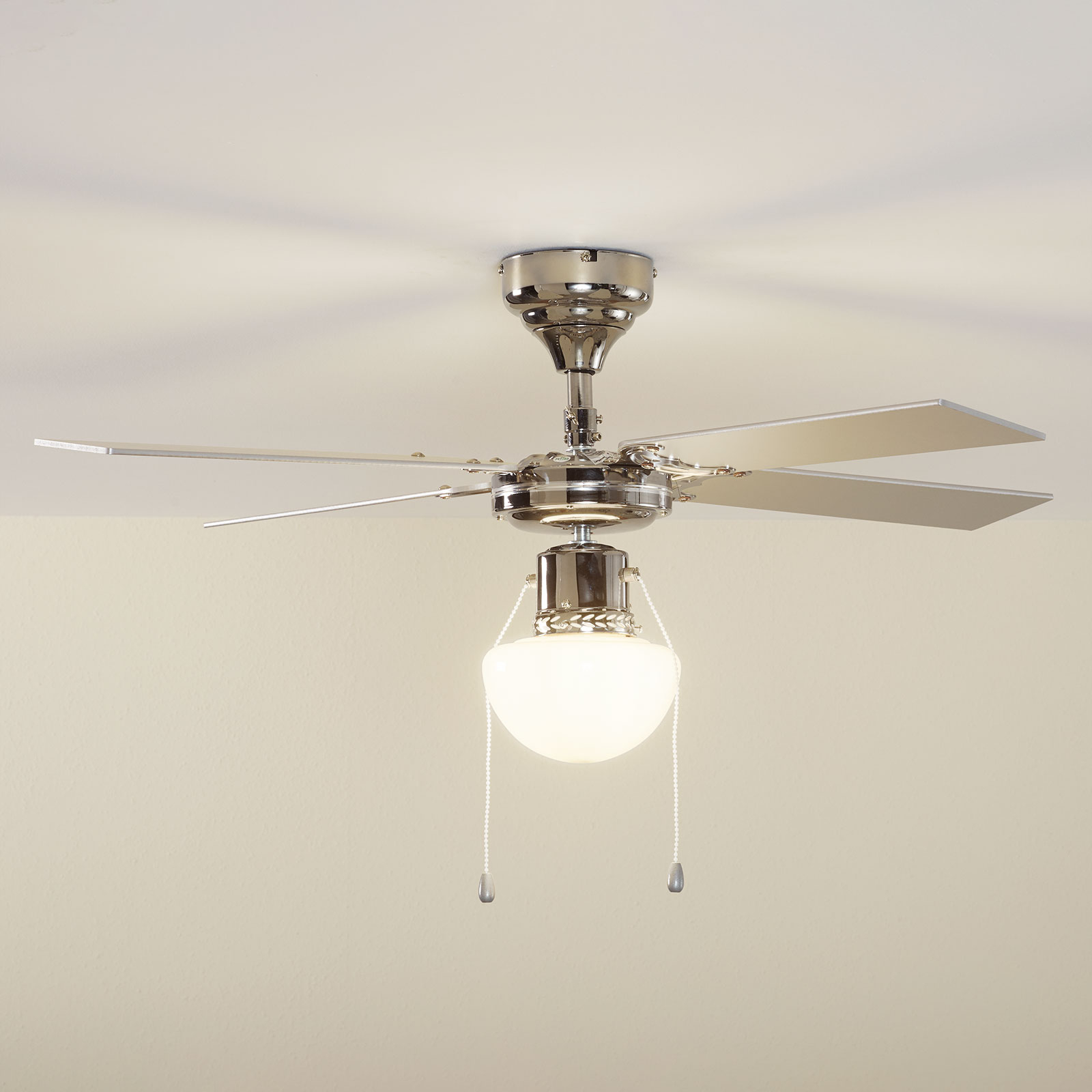 Ventilatore da soffitto Milana con luce E27