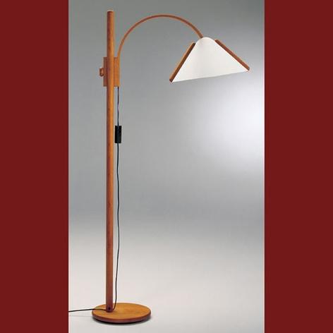 Stojací lampa Arcade s dřevěným rámem