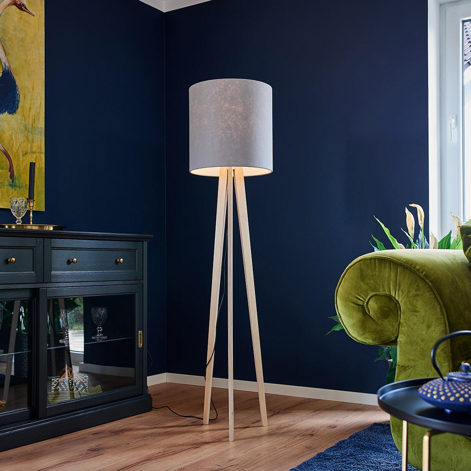 Tekstylna lampa stojąca Nida na trójnogu z drewna