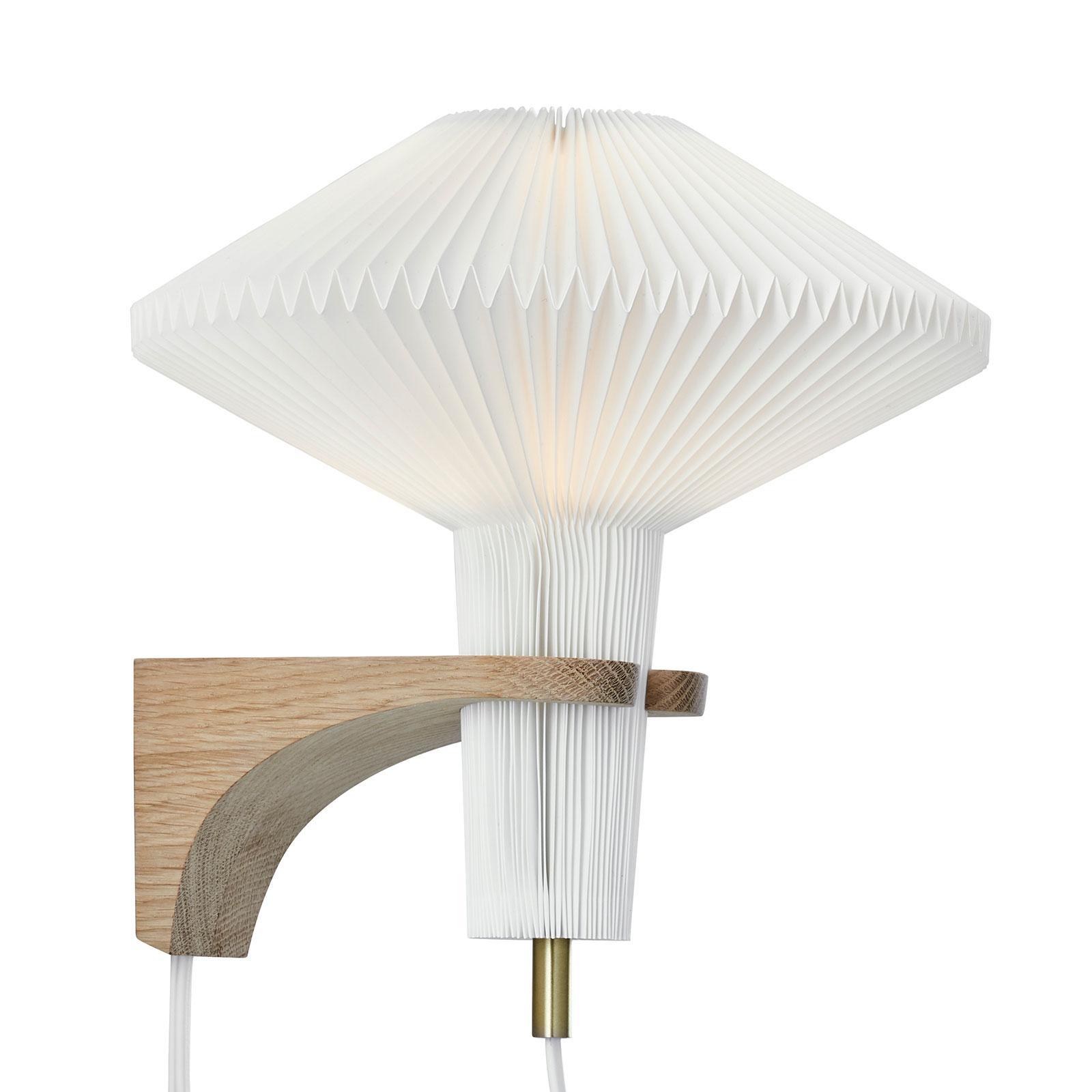 LE KLINT The Mushroom nástěnné světlo, dub