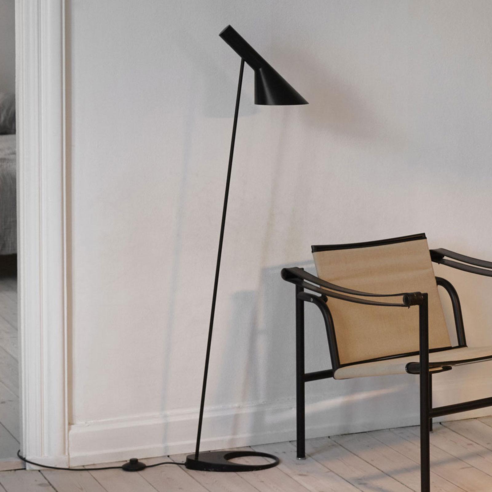 Louis Poulsen AJ - vloerlamp, zwart