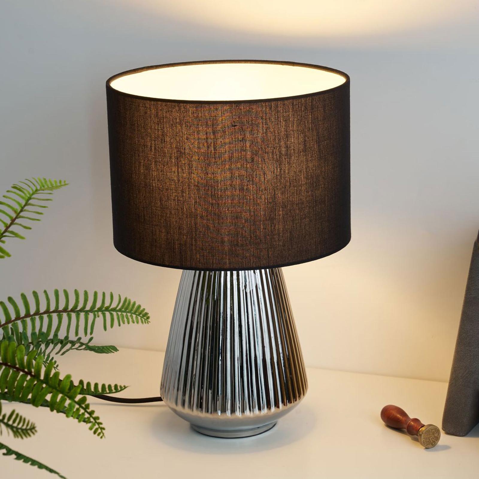 Pauleen Toss of Silver Tischlampe mit Keramikfuß