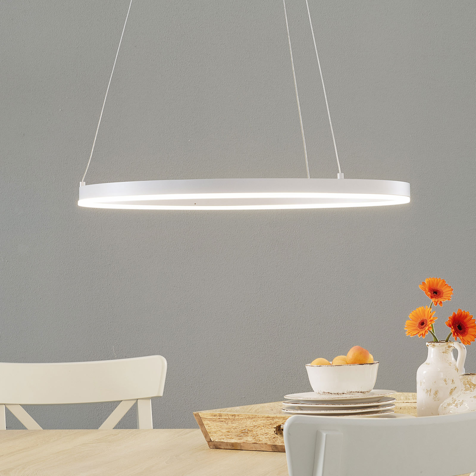Suspension LED Vaasa, dimmable, blanche