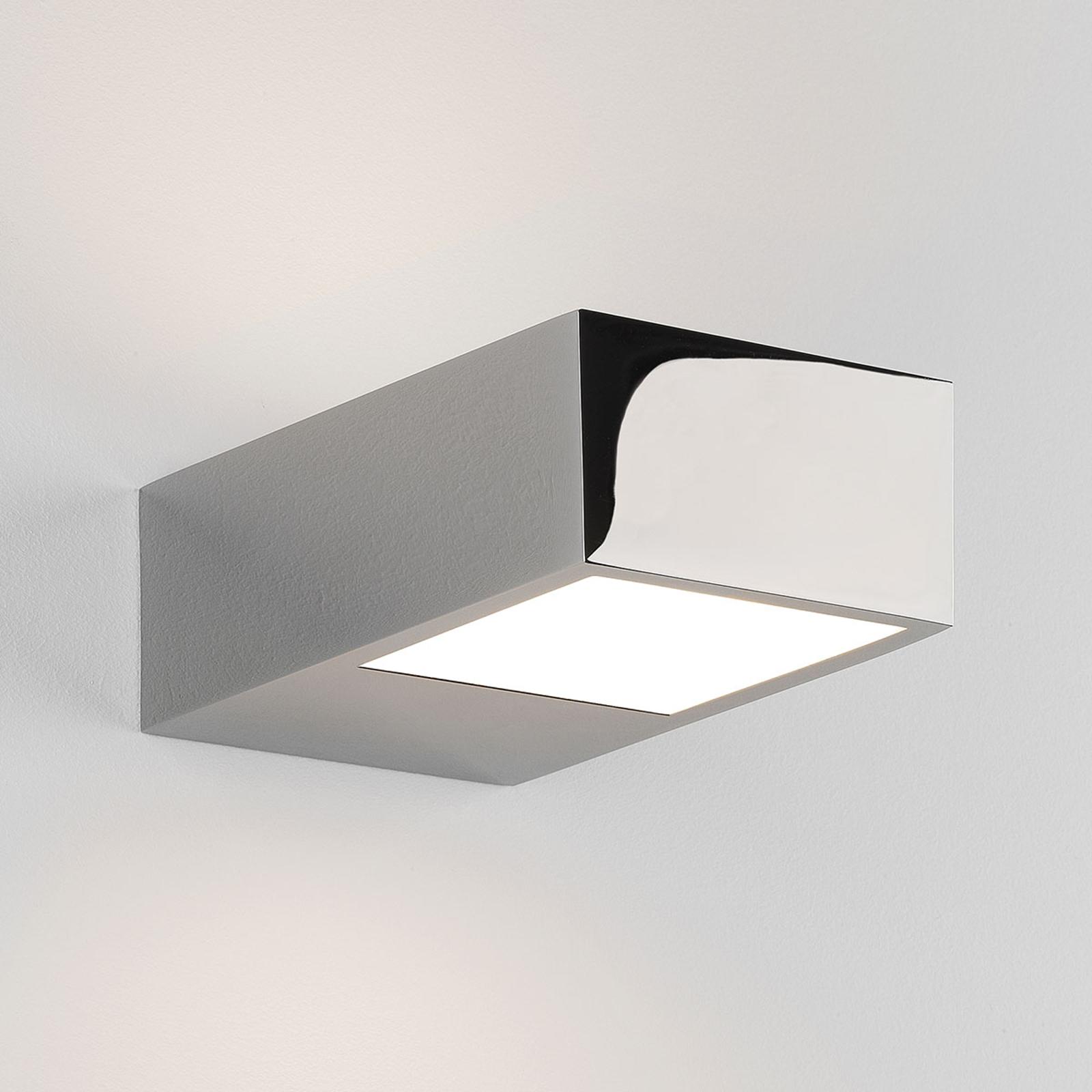 Astro Kappa - eckige LED-Wandlampe fürs Bad, chrom