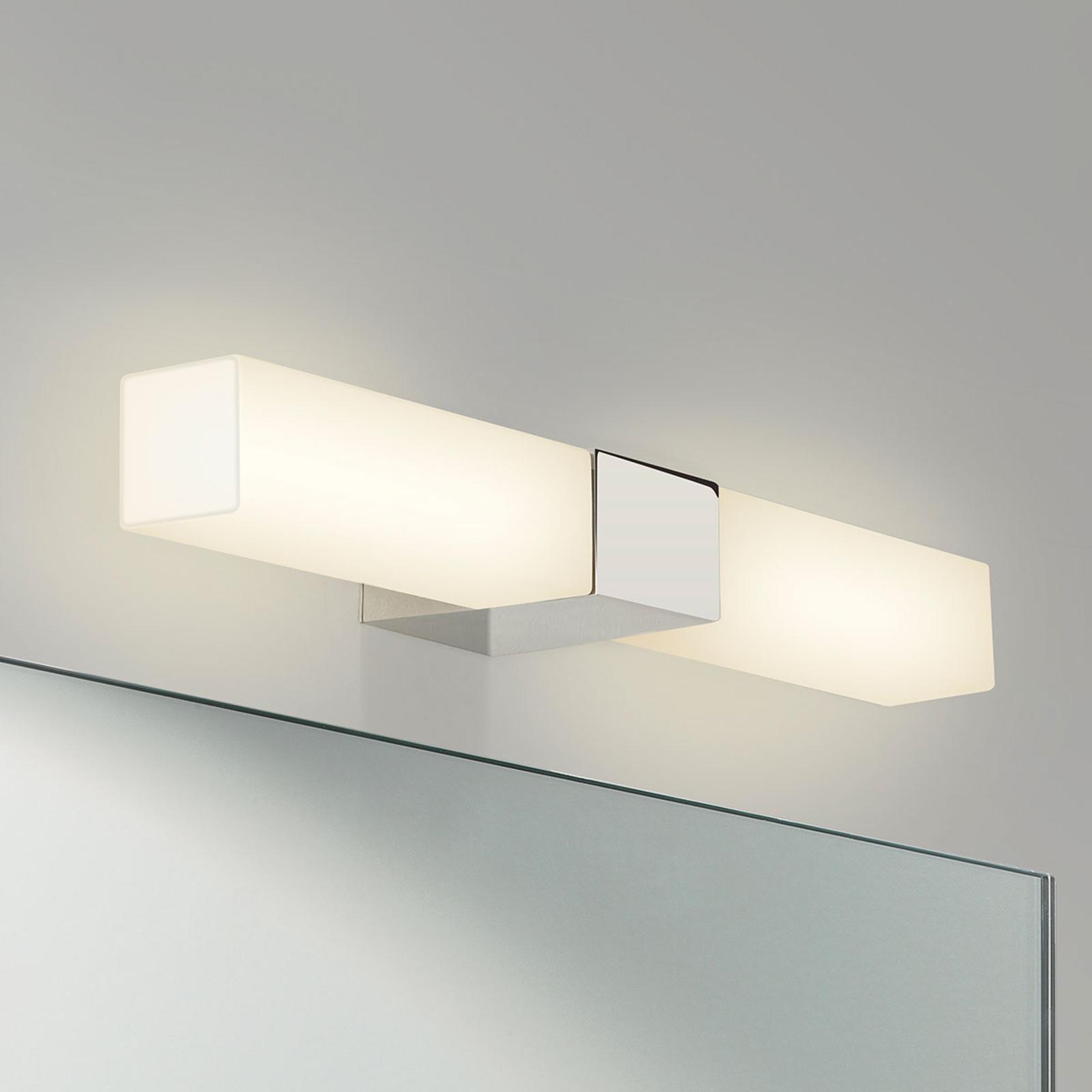 Astro Padova Square væglampe til badeværelset