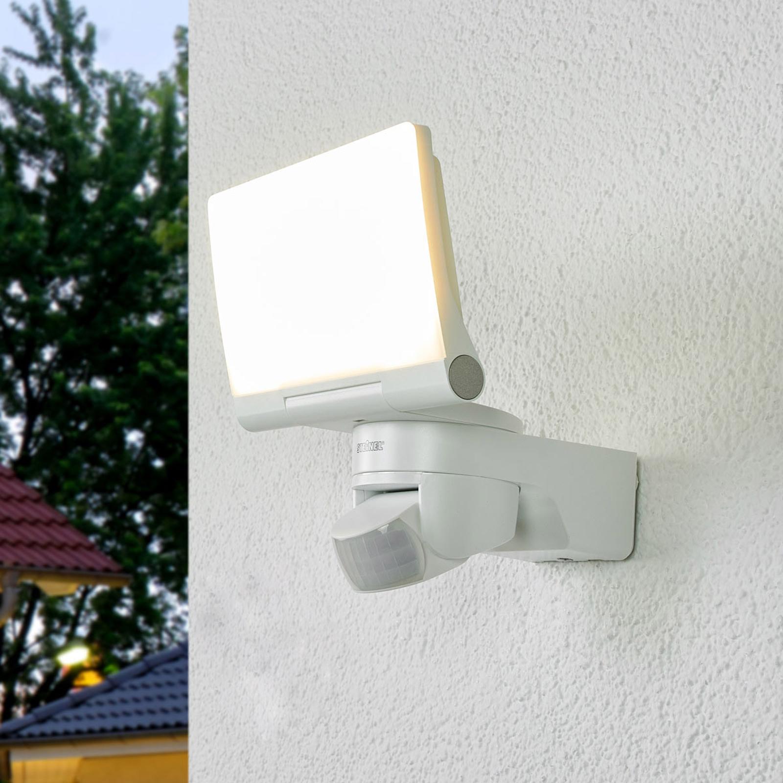 XLED Home 2 LED-utevegglampe med BS i hvitt