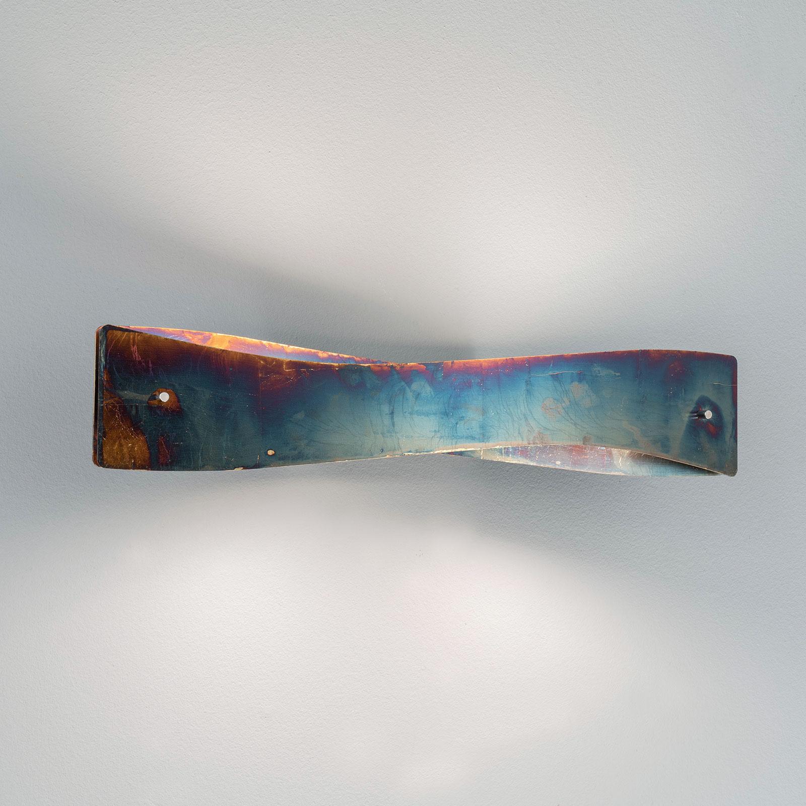 Lucande Lian LED-Wandleuchte, gold oxidiert