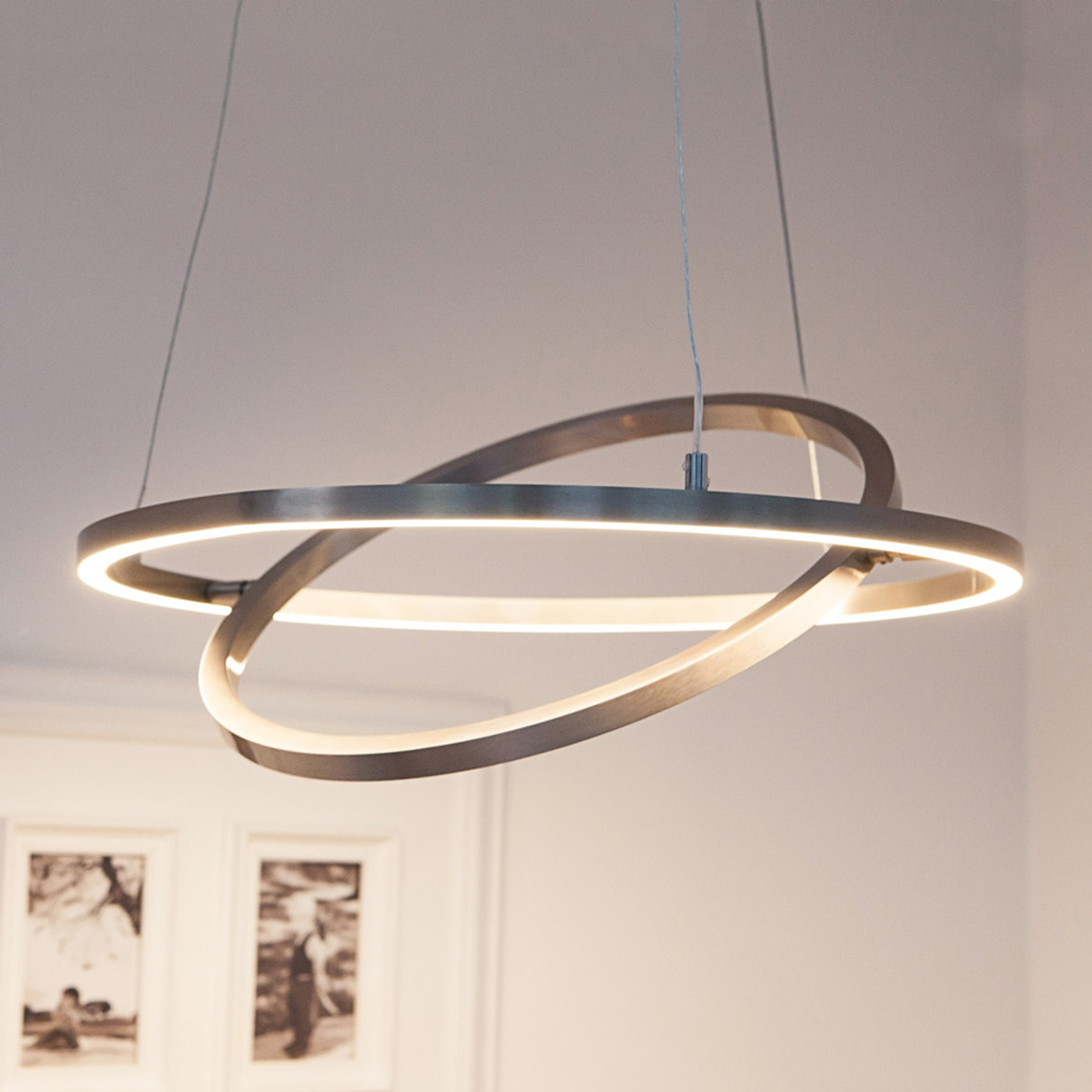 LED-hengelampe Lovisa med to LED-ringer