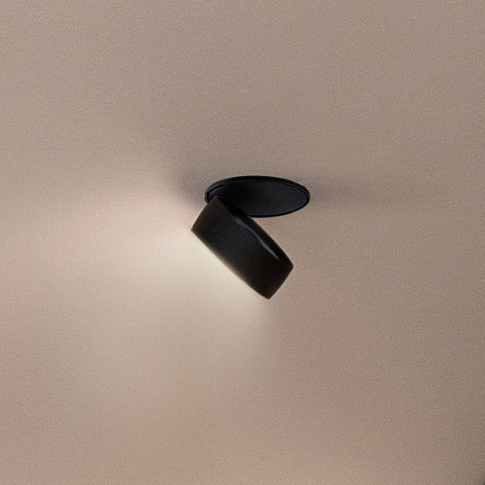 Egger Clippo EP LED-downlight, svart, 2700K