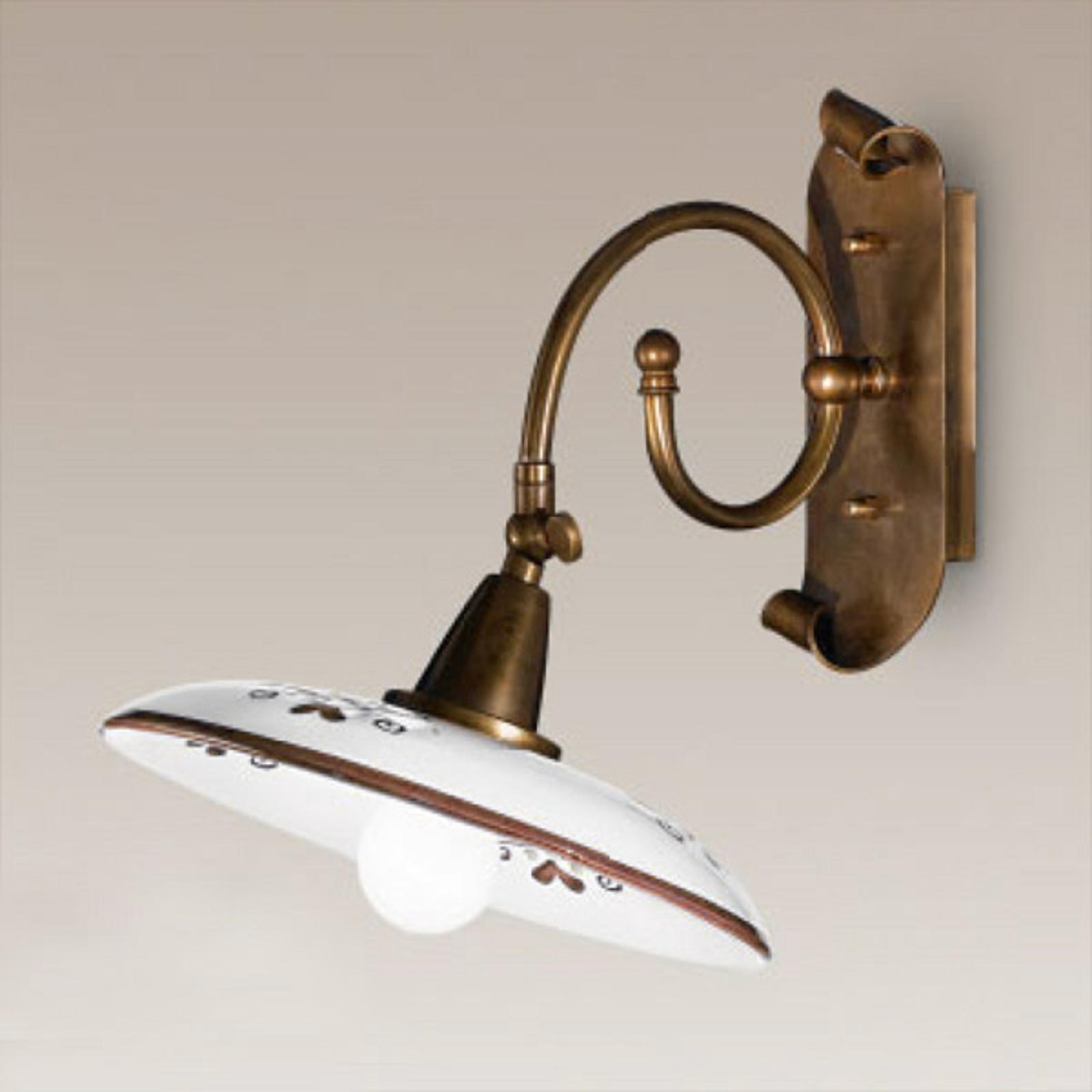 Nástěnné světlo Bassano, detaily hnědé