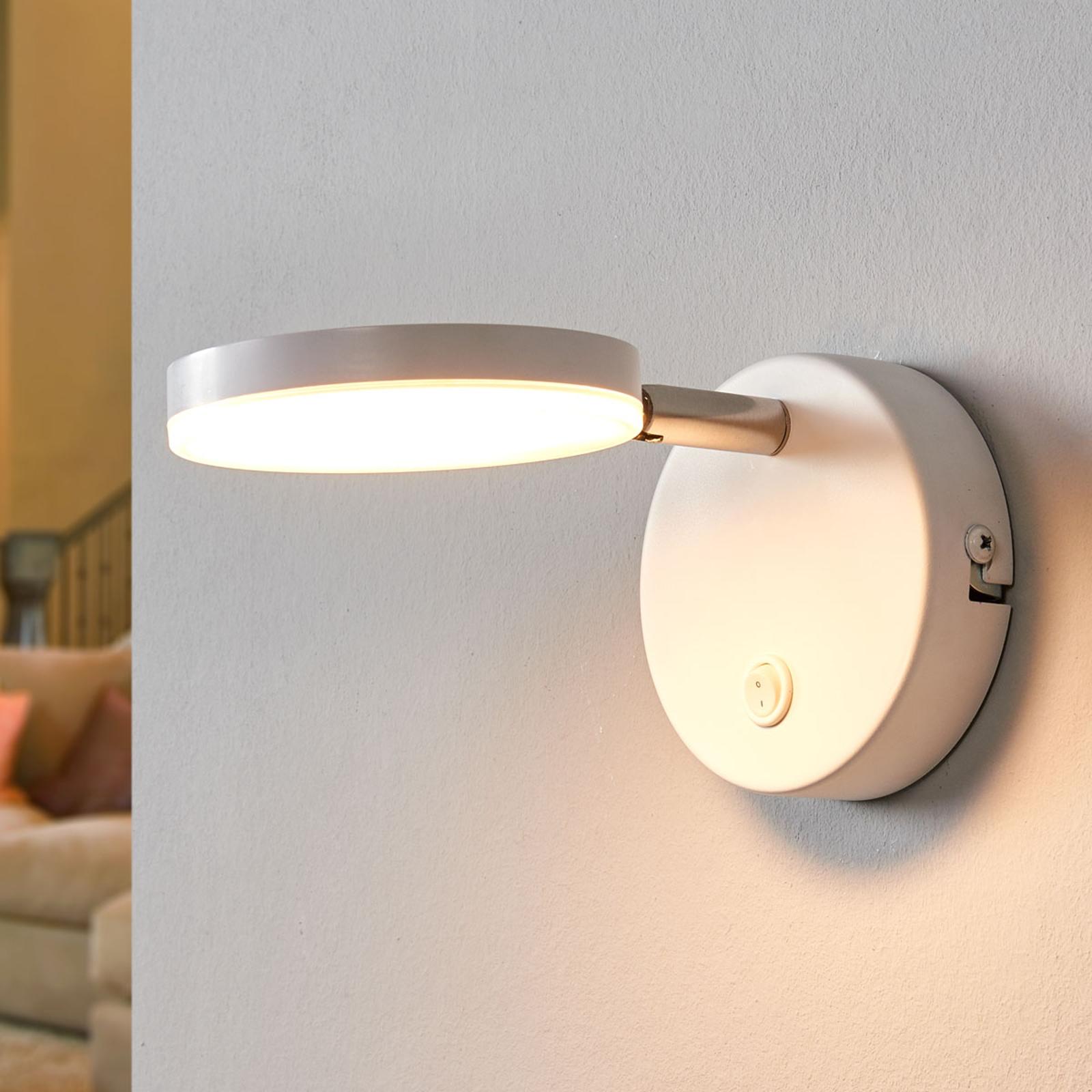Bílá LED nástěnná svítilna Milow s vypínačem