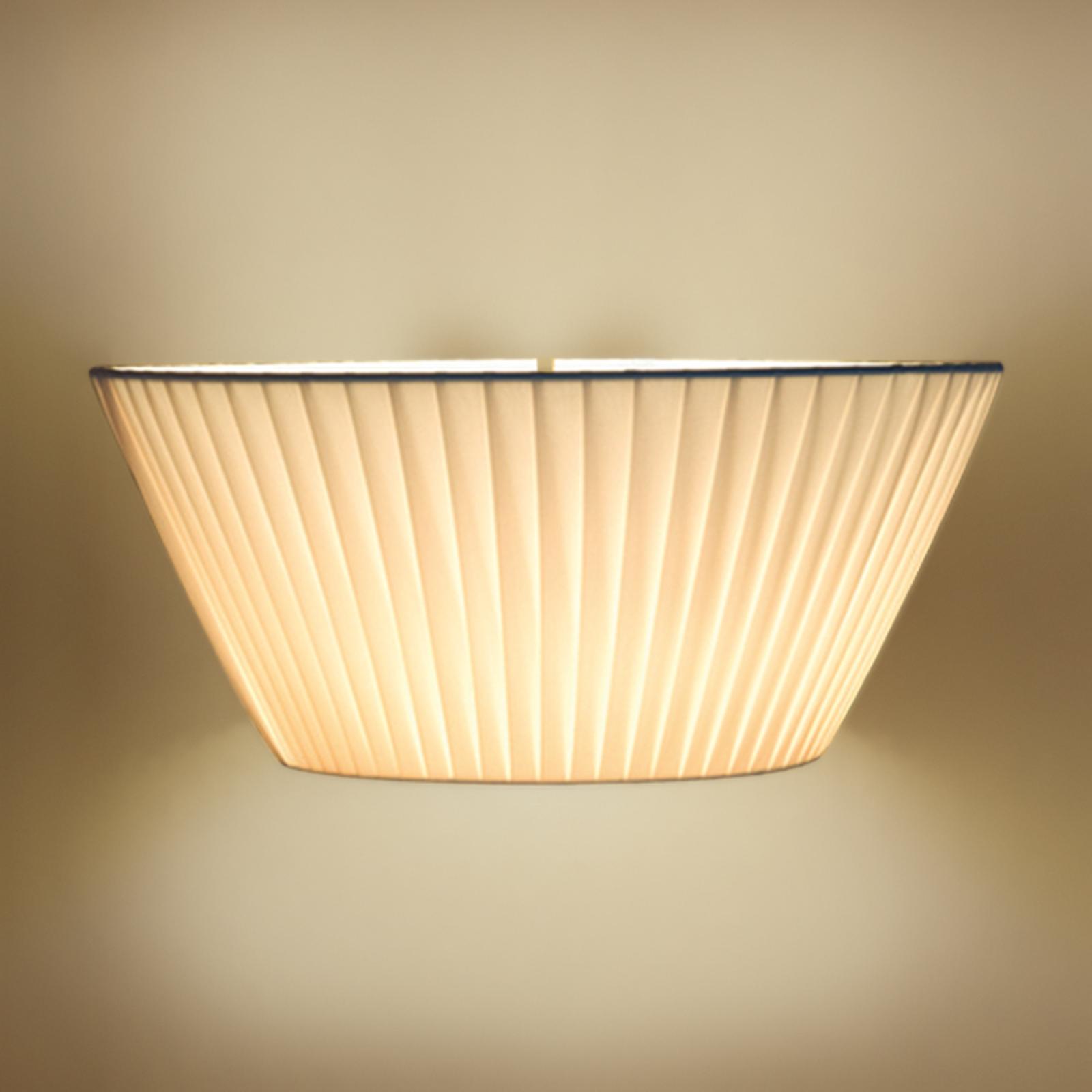 Atractiva lámpara de pared Emma beige, ancho 50 cm