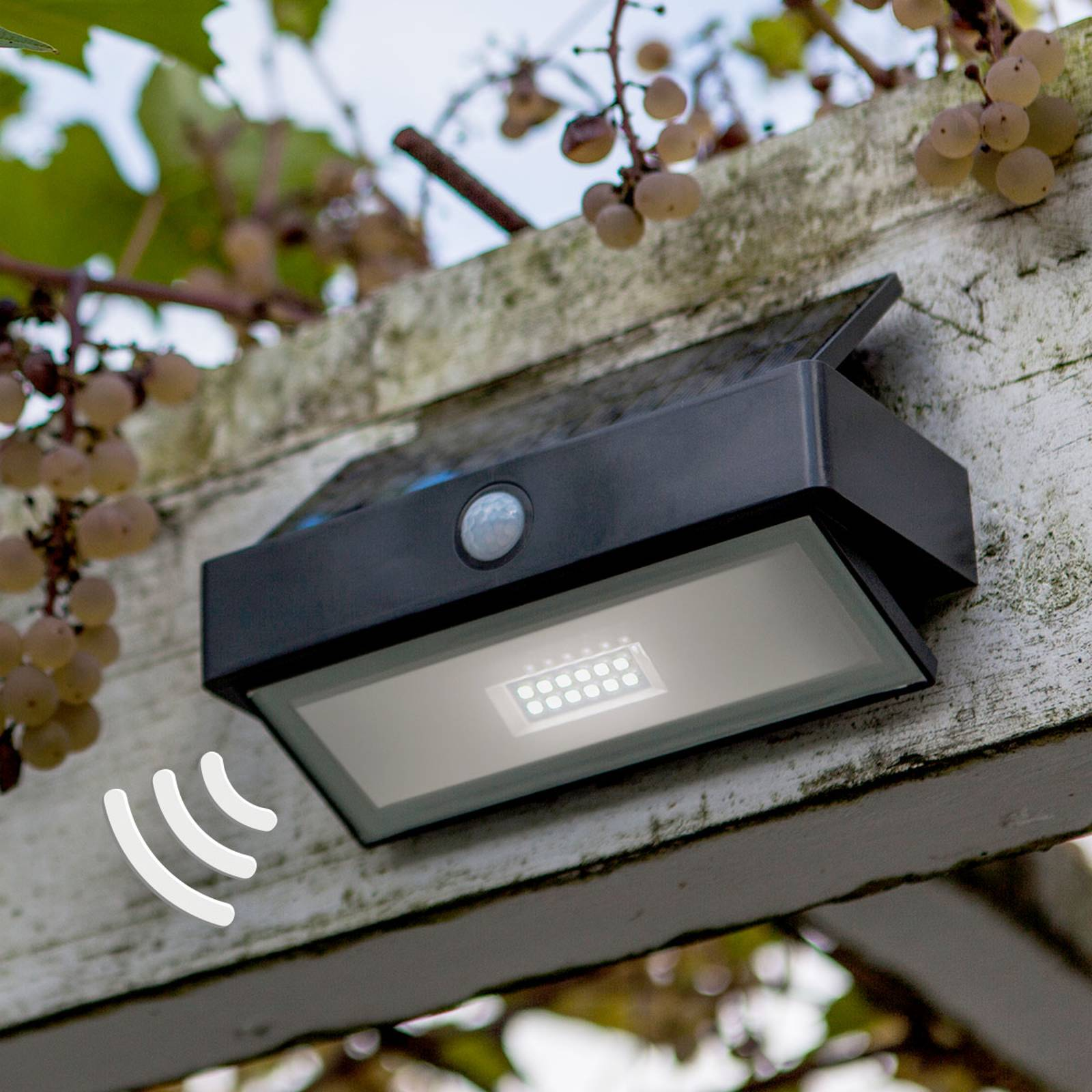 Arrow – solarna lampa ścienna LED z czujnikiem