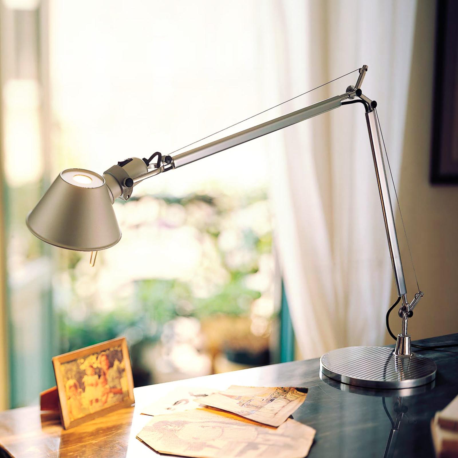 LED skrivebordlampe Tolomeo med dæmper