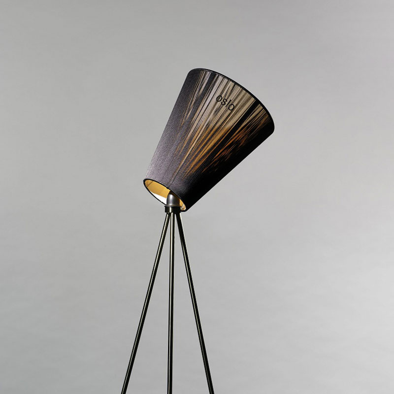 Northern Oslo Wood gulvlampe, svart/svart