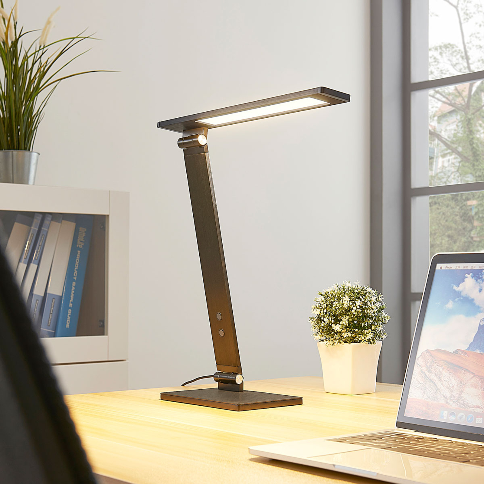 Lampe de bureau LED Salome dimmable, noire