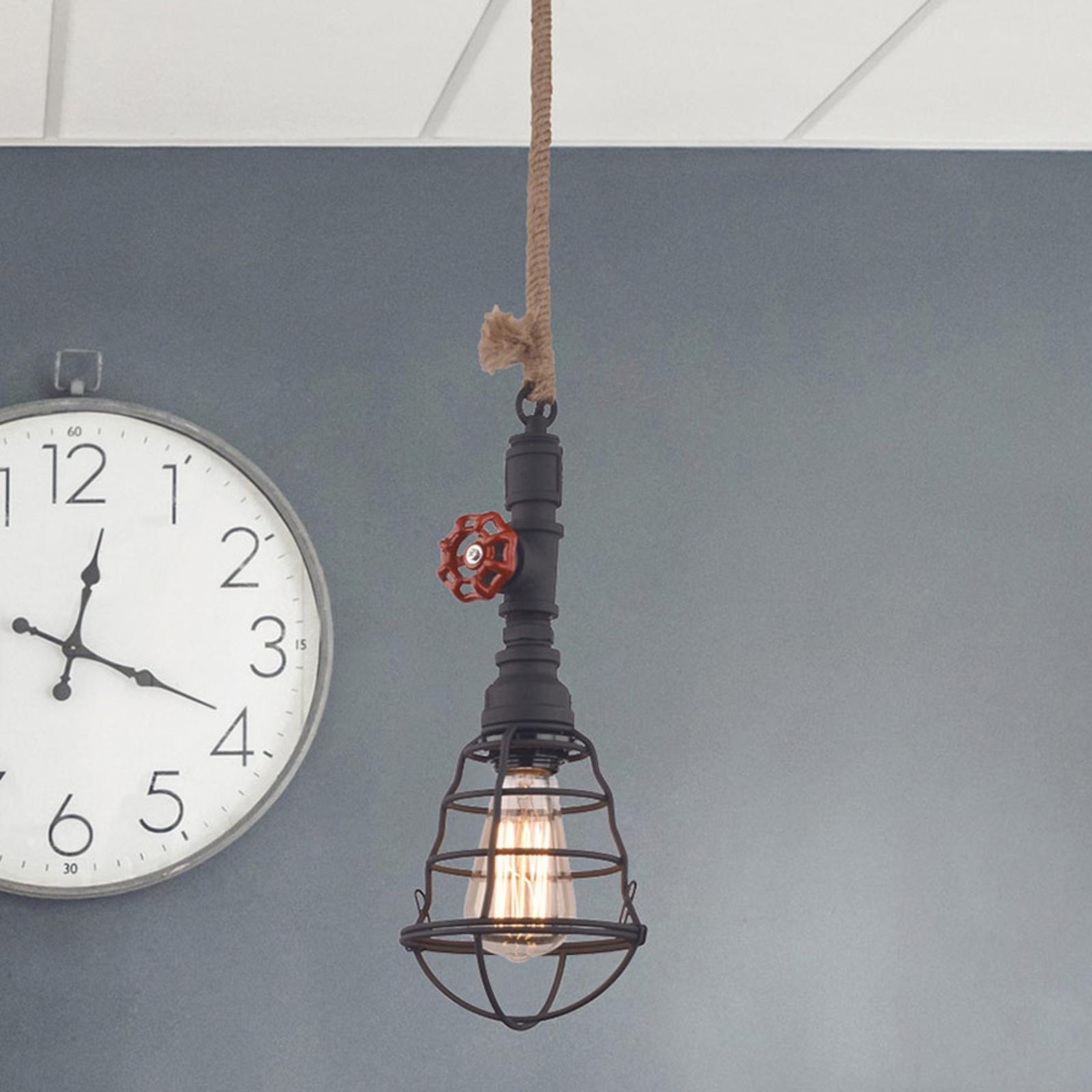 Lampa wisząca w wersji industrialnej, czarna