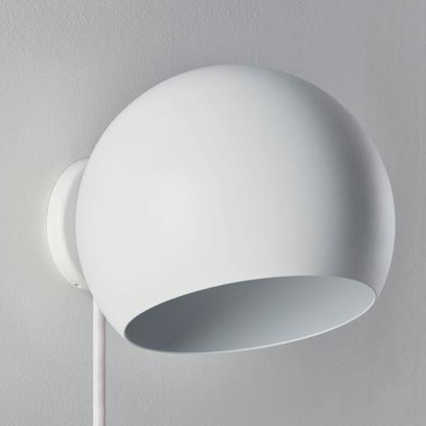 Nyta Tilt Globe Wall Short Wandlampe mit Stecker