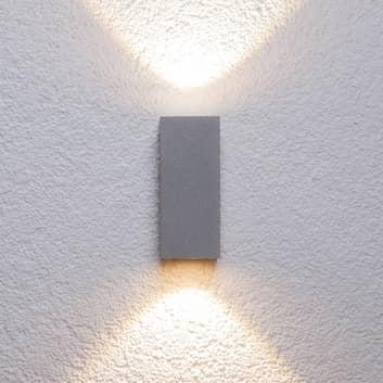 Silverfärgad utomhusvägglampa Tavi m Bridgelux LED