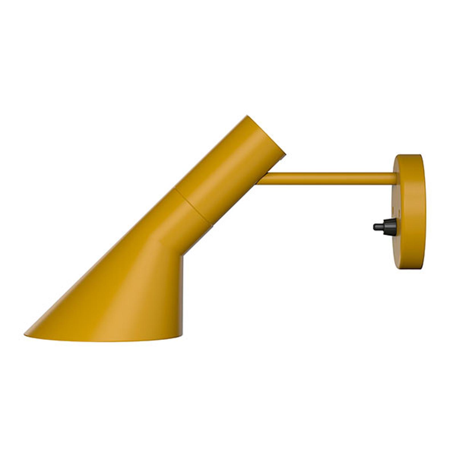 Louis Poulsen AJ - wandlamp, okergeel