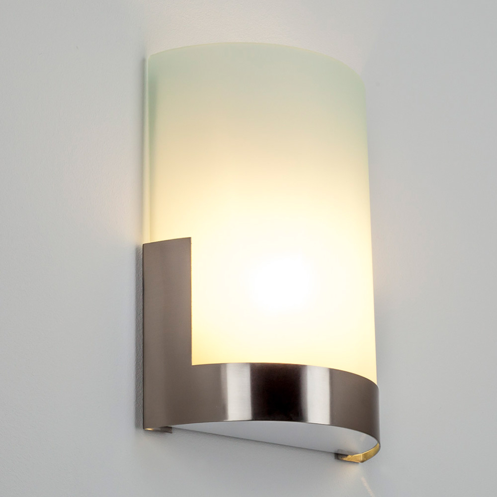 Elegante apliqueKarla con elemento metálico