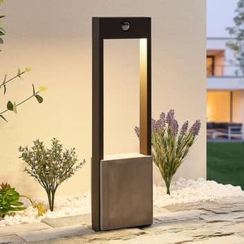 Lucande Tekiro LED-Wegelampe mit Sensor, 60 cm