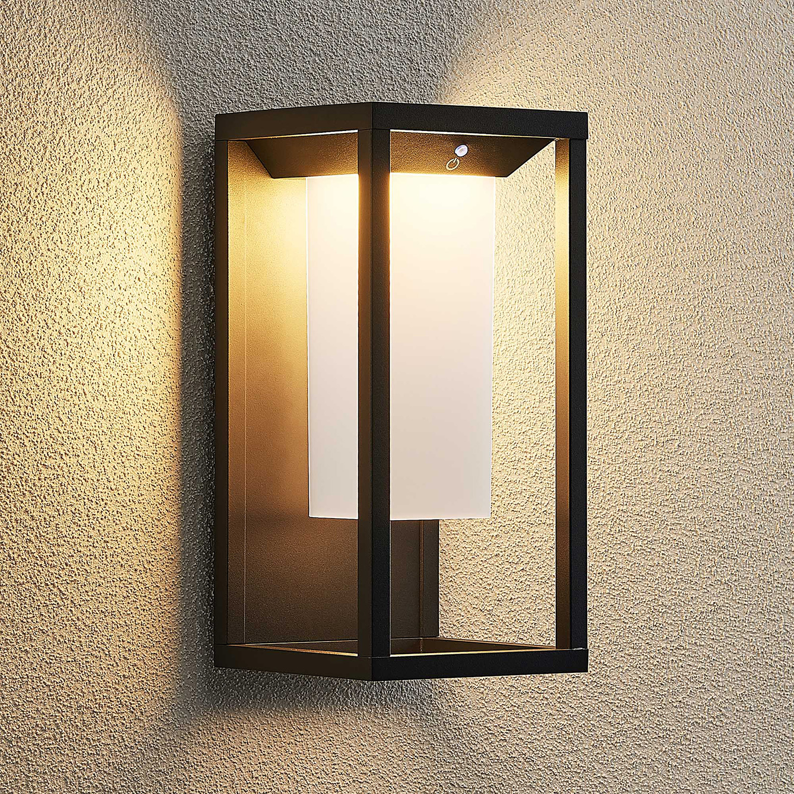 Lucande Eliel kinkiet solarny LED