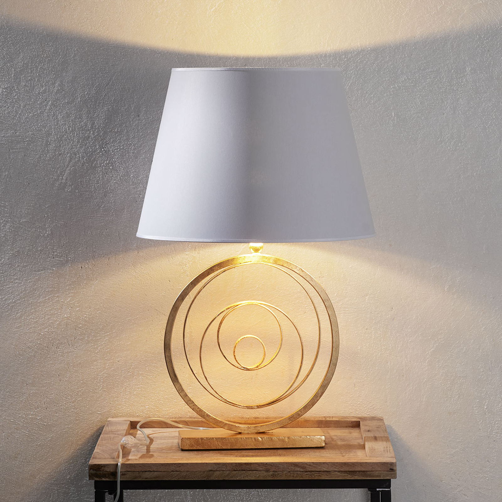 Ring noble table light with golden base_3532131_1