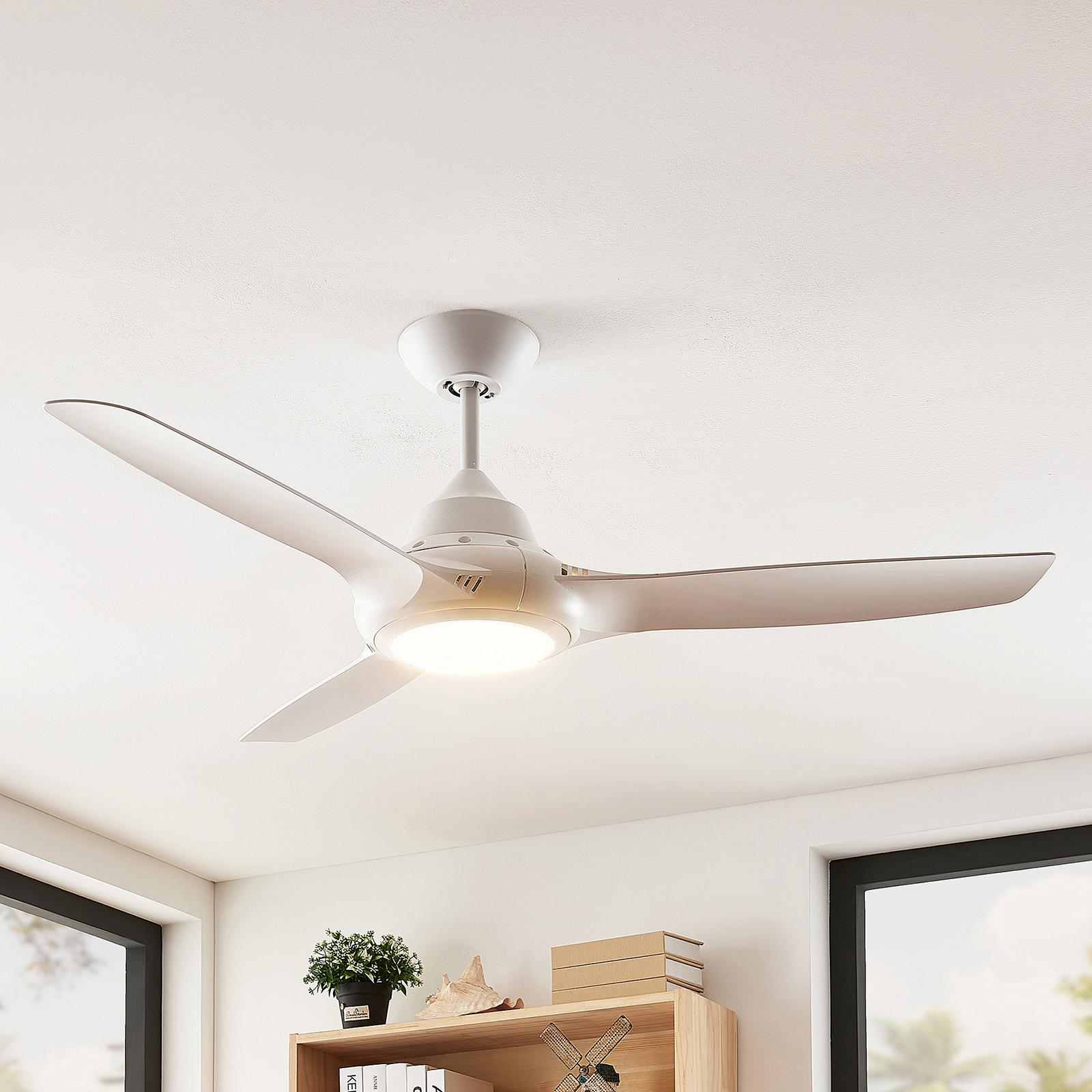 Arcchio Aila LED-loftventilator, 3 vinger, hvid