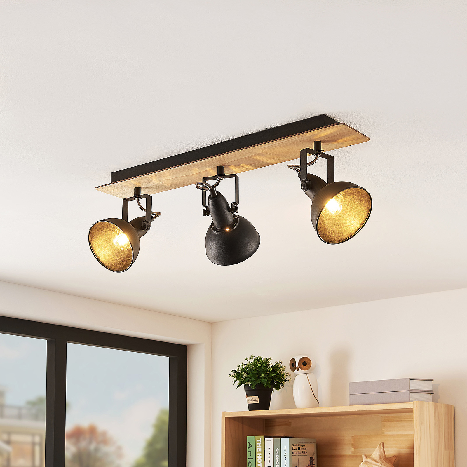 Lindby Aylis ceiling lamp, black, wood, 3-bulb_9626218_1