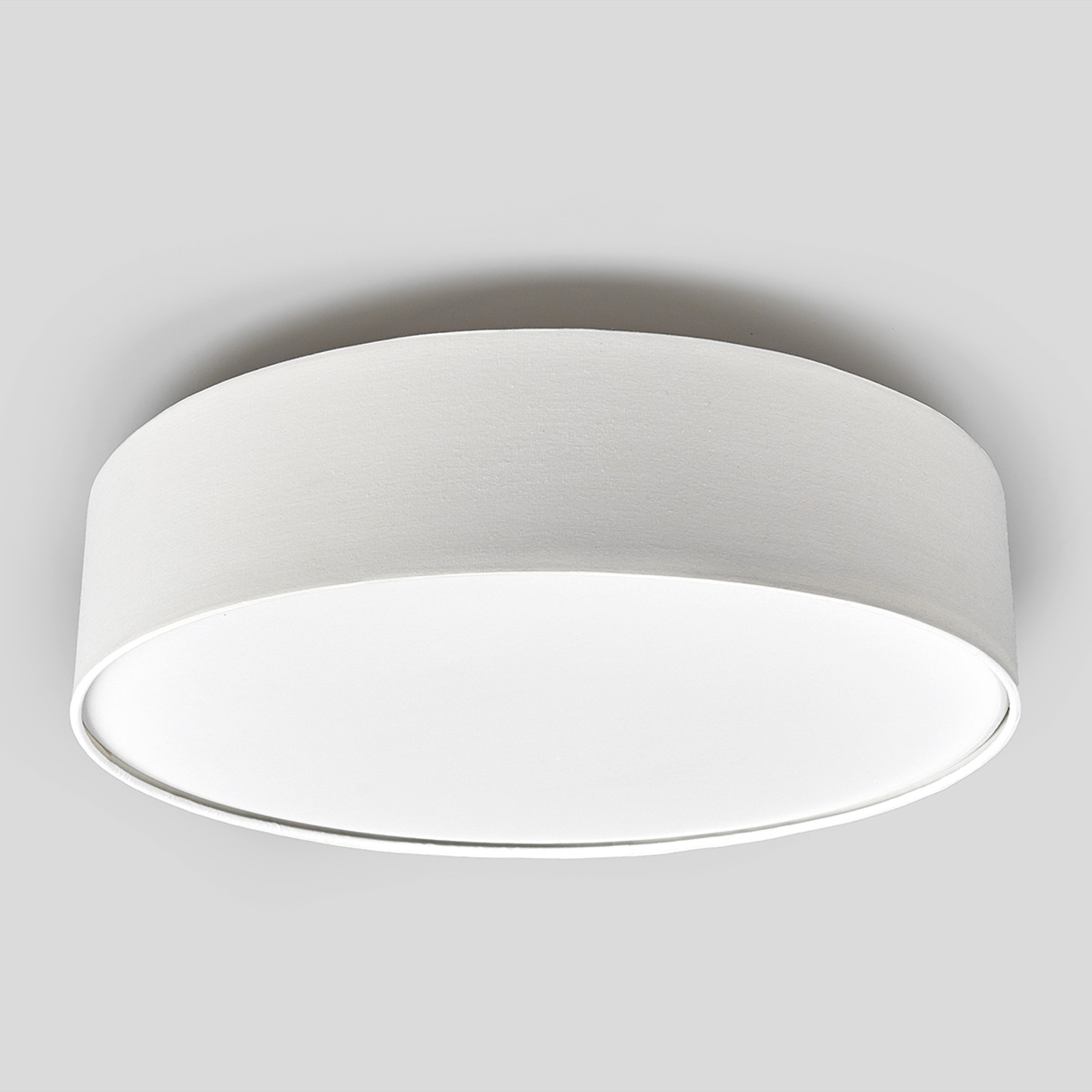 Kremowa lampa sufitowa LED SEBATIN z materiału