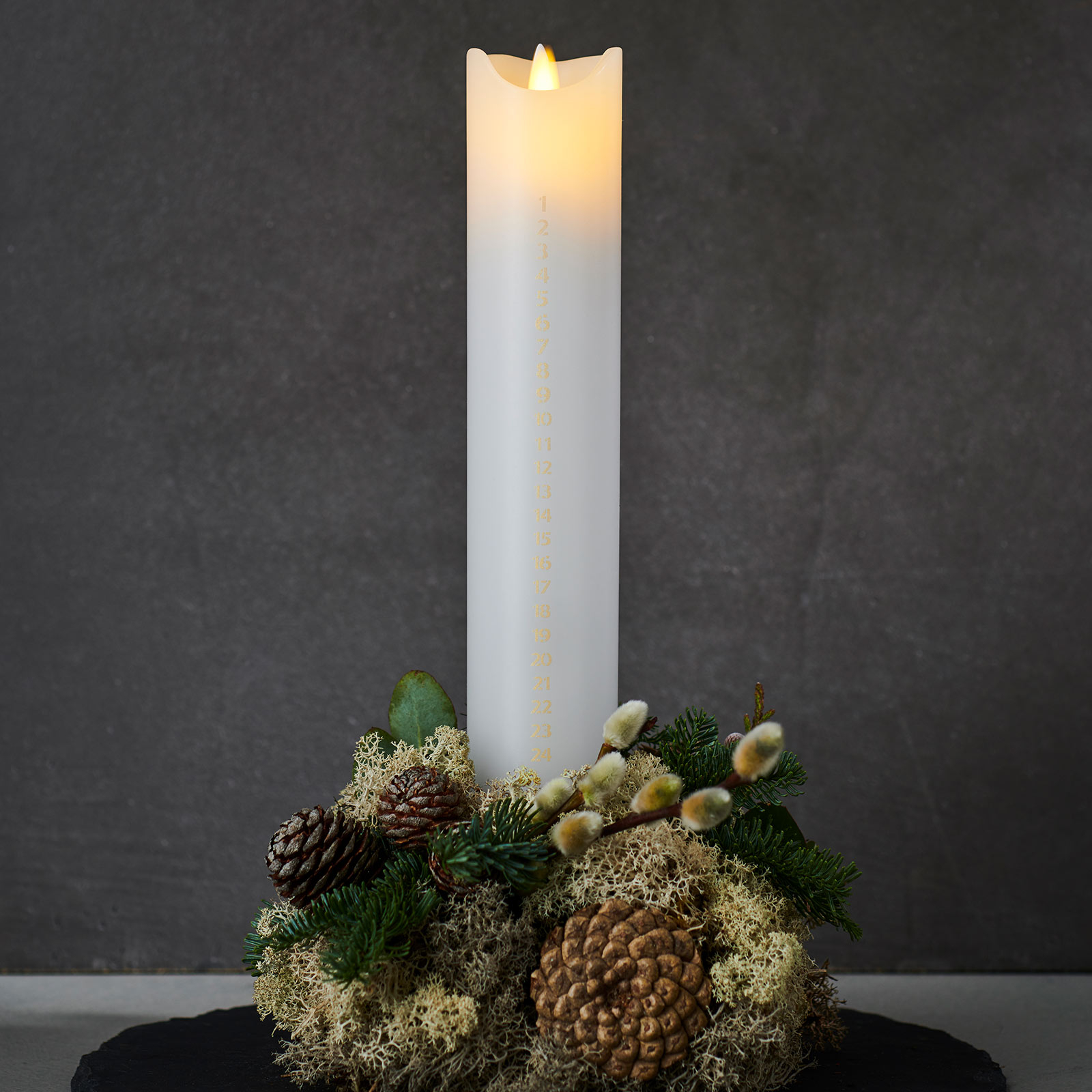 LED svíčka Sara Calendar, bílá/zlatá, výška 29 cm