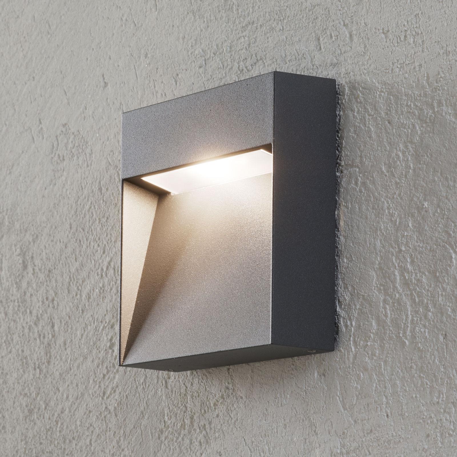 Buitenwandlamp Noreia in hoekige vorm