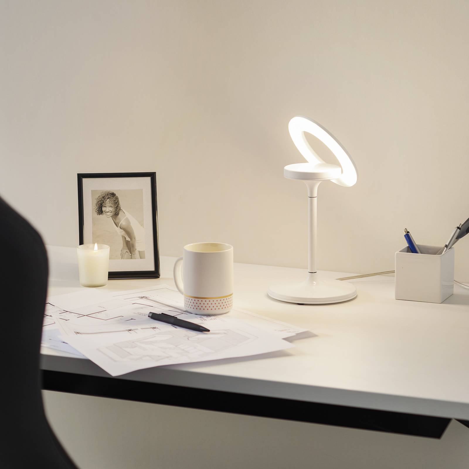 Lampe à poser LED Filigree, blanche