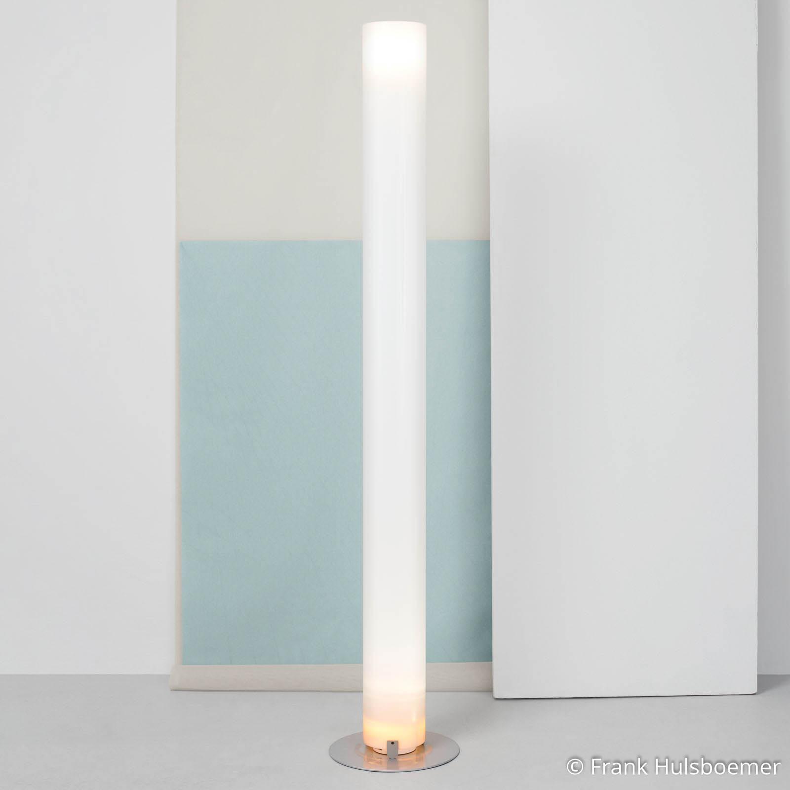 Cylinderformad golvlampa STYLOS